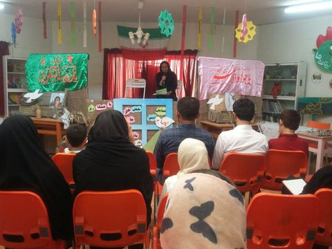 """همایش ادبی """"بغضهای جامانده در سنگر"""" در گتوند"""