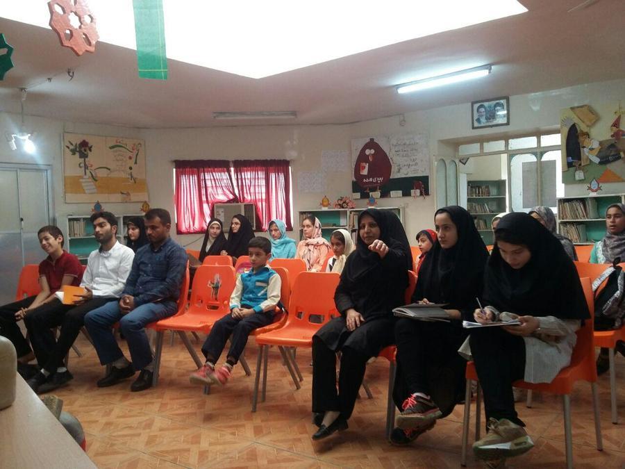 """همایش ادبی """"بغضهای جامانده در سنگر"""""""