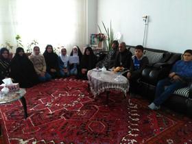 با خانواده شهید نوجوان صابر رهنما دیدار کردند