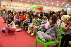معرفی فعالیتهای کتابخانهای کانون در یک مرکز فرهنگیهنری نمادین