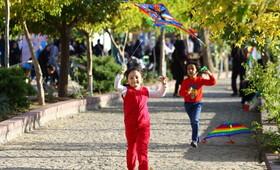 جشن پرواز بادبادکها در همدان