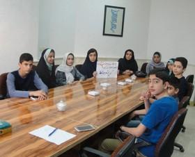 شعرخوانی فعالان ادبی مرکز شماره دو گنبد کاووس در جمع شاعران انجمن شعر حافظ