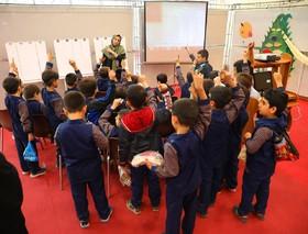بچهها با شخصیتهای برجسته کشور آشنا میشوند