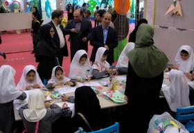 بازدید معاون آموزش ابتدایی وزارت آموزش و پرورش از نمایشگاه هفته ملی کودک