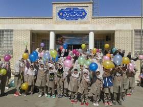 شادی بچهها در روز روستا و هفتهی ملی کودک