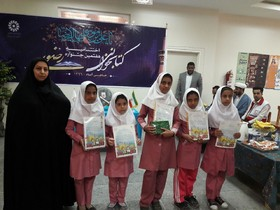 تقدیر از ۲ عضو برگزیده جشنوارهی کتابخوانی رضوی کانون حاجیآباد
