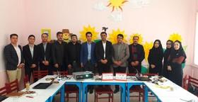 گردهمایی یک روزه مربیان کتابخانه های سیار شهری و روستایی کانون استان زنجان