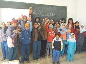 هفته وحدت در کتابخانههای سیار کانون خراسان جنوبی به روایت عکس