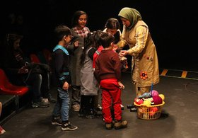 نمایش «آرزوهای بافتنی» در مرکز تئاتر کانون