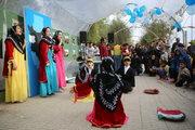 سفرهی یلدای کانون در چادرهای کودکان زلزلهزده کرمانشاه
