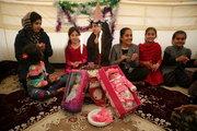 جشن تولد کودکان؛ شادی در چادرهای زلزلهزدگان