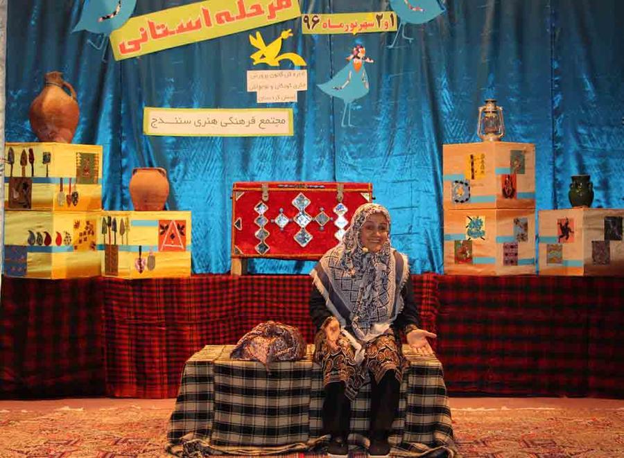 ادربزرگ کردستانی برگزیدهی جشنواره قصهگویی
