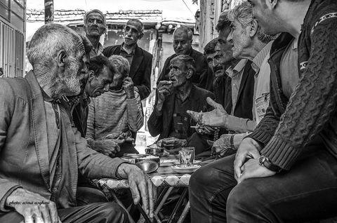 درخشش مربی هنرمند کانون استان کرمانشاه در پنجمین جشنواره بین المللی عکس خیام