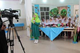انعکاس خبر افتتاح نمایشگاه و معرفی برگزیدگان مسابقه زیستمحیطی پرندگان جنوب در صدا و سیمای مرکز خوزستان