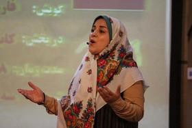 سولماز صادقزاده مربی قرهنگی کانون تبریز و قصهگوی برگزیده بیستمین جشنواره بینالمللی قصهگویی در بخش رضوی