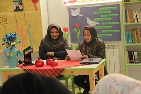 اعضای انجمن ادبی آفتاب و مهتاب در شهر قلمدانهای مرصع