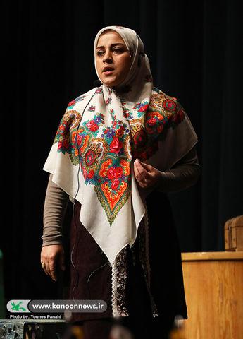 سولماز صادقزاده مربی کانون تبریز رتبه اول کشوری قصهگویی رضوی را کسب کرد