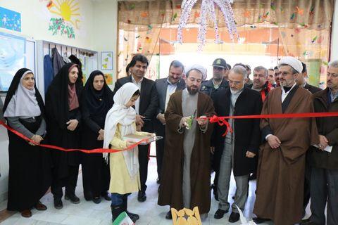 نمایشگاه دست سازه های مربیان و اعضای کانون کلاردشت افتتاح شد