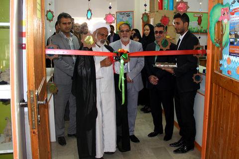 افتتاح نمایشگاه دست سازه های اعضا در مرکز فرهنگی هنری ابوموسی به مناسبت دهه مبارک فجر