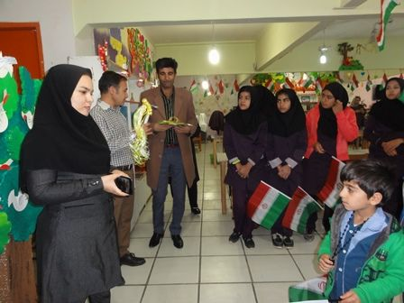 نواختن زنگ انقلاب در مرکز فرهنگی هنری شماره 1 یاسوج