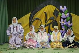 اجرای ویژه برنامه به مناسبت ایام مبارک دهه ی فجر مرکز فرهنگی هنری  فراگیر شهرکرد