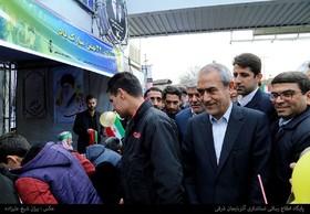حضور استاندار آذربایجان شرقی در غرفه کانون در راهپیمایی یوم ا... ۲۲ بهمن تبریز