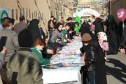 ایستگاه نقاشی ویژهی کودکان درکوچهی انقلاب یزد، برگزار شد