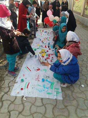 غرفه کانون پرورش فکری در مسیر راهپیمایی 22 بهمن