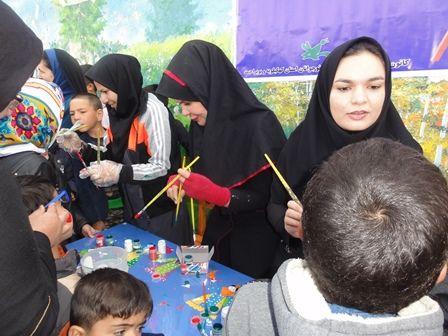 برپایی ایستگاه نقاشی صورت در راهپیمایی 22 بهمن