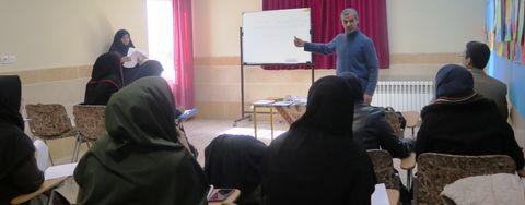 یک نشست پژوهشی  در کانون استان قزوین