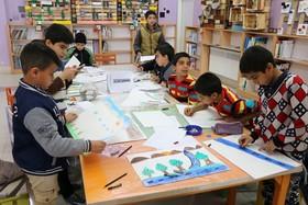 برگزاری کارگاه نقاشی در خصوص نمایشگاه قرآنی با حضور اعضای مراکز فرهنگی هنری شهرکرد