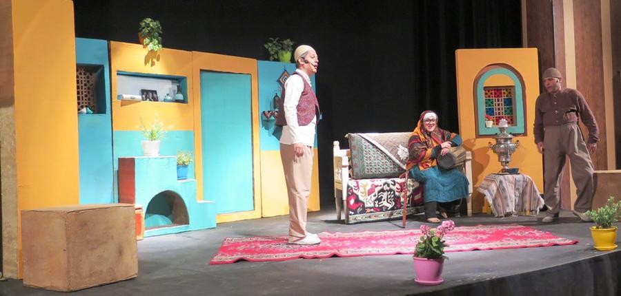 اجرای نمایش 'حکایت ننه سرما و عمو نوروز'در پیشواز سال نو