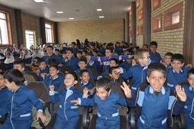 گل لبخند بر لبان دانش آموزان روستاهای البرز