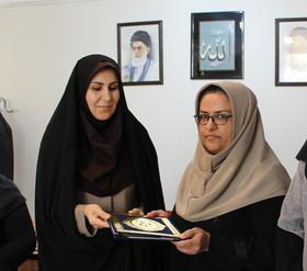 از خانواده شهدا اداره کل کانون پرورش فکری استان کردستان تجلیل شد