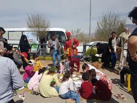 عیدانه کتاب با کتابخانه سیار کانون در منطقه آزاد ارس