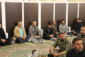 گزارش تصویری حضور مدیر کل کانون پرورش فکری قم به همراه کارشناسان و همکاران ستادی در مراسم تشییع شهید مدافع حرم محمدمهدی لطفی نیاسری