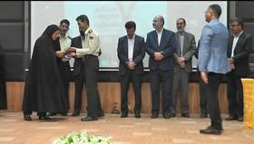 تقدیر از مدیرکل کانون پرورش فکری استان سیستان و بلوچستان در هفتمین جشنوارهی نوجوان سالم