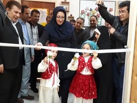 نمایشگاه نقاشی « یک دنیا آرزوی کودکانه » در کانون آذرشهر افتتاح شد
