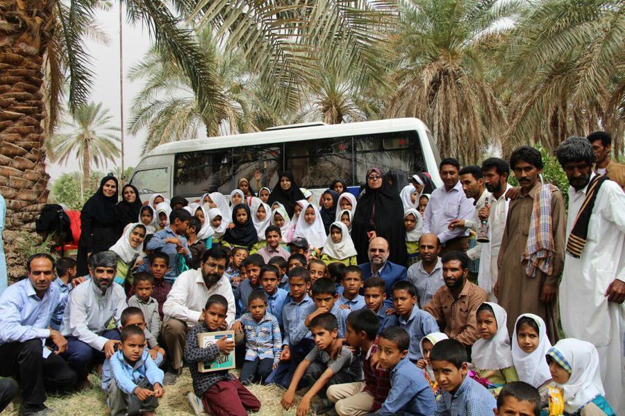 کتابخانه سیار روستایی کانون رودبار جنوب کرمان