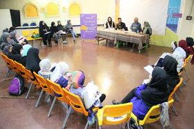 نگاهی به انجمن ادبی دختران و پسران کانون تهران