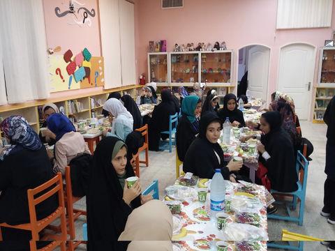 افطاری مرکز 2 و 4 قم