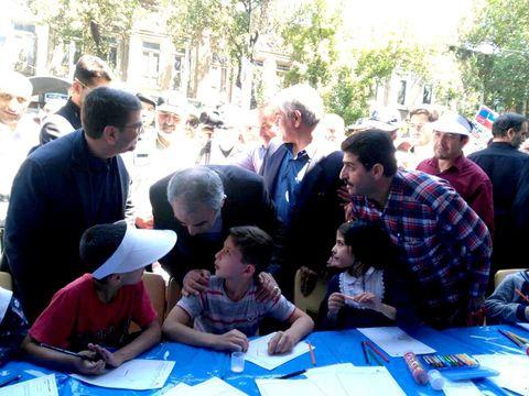 بازدید خدابخش استاندار  و شهرتیفر معاون سیاسی امنیتی استاندار آذربایجان شرقی از کارگاههای کانون در مسیر راهپیمایی روز قدس