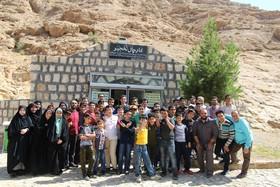 غار نخجیر و سرچشمهی محلات مقصد اردوی پژوهشگران کانون قم