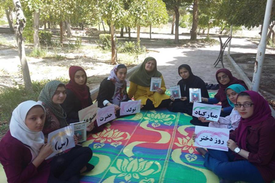 گزارش تصویری از گرامیداشت هفتهی حجاب و عفاف در کانون پرورش فکری