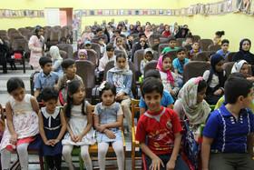 گزارش تصویری از اجرای نمایش «ماهیخوار» در مراکز کانون استان قم