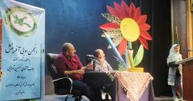 گزارش تصویری نشست انجمن ادبی آفرینش کانون قزوین با حضور حسین تولایی