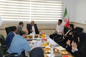 نشست معاون توسعه و مدیریت منابع کانون در استان قم