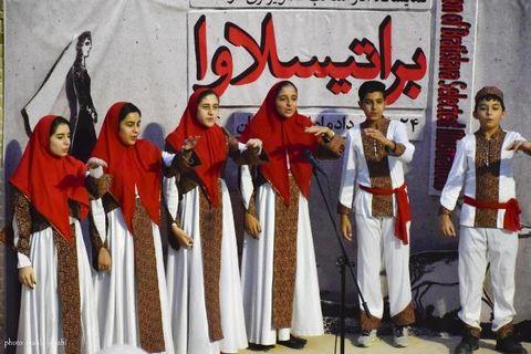 گشایش نمایشگاه آثار منتخب تصویرگری براتیسلاوا در کرمان