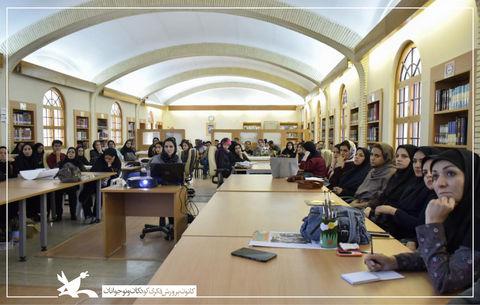 کارگاه تصویرگری نرگس محمدی در کرمان برگزار شد