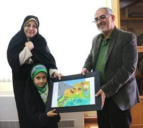تقدیر مدیر کل استان از کودک هنرمند شیرازی